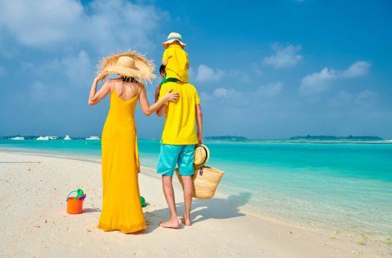 La plage, le soleil, les bananes… Le jaune apporte de la positivité comme les vacances !