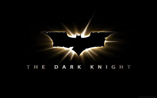 The dark knight, alias Batman, est de noir vêtu. Normal, il est cool et mystérieux, tout ça